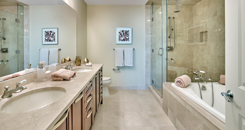 Unit 4703 bath