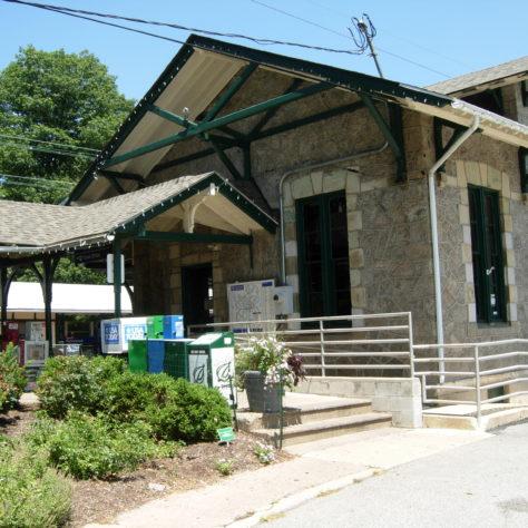 Wynnewood-Merion Station