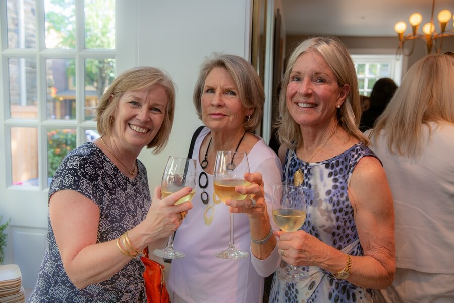 Guest, Char Morrison, Linda Danese